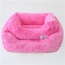 Bella Dog Bed: Fuchsia