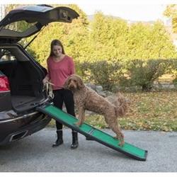 Bi-Fold Pet Ramp With supertraX