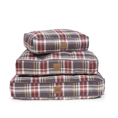 BRESLIN PLAID PET NAPPER