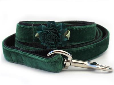 Mistletoe Green Velvet Dog Leash