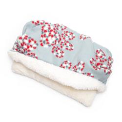 Red and White Heart Cluster Printed Fleece Fabric Pocket Pet Bed