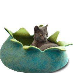 Wool Pet Basket, Petals, Aqua/Green