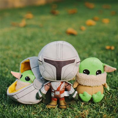 Star Wars Baby Yoda The Child Mandalorian Plush Squeaker Dog Toy