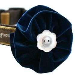 Noel Blue Velvet Dog Collar Flower