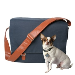 Outback Messenger in Navy