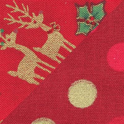 Reindeer & Holly Curvy-Dana